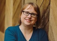 Laura Rueckert author pic